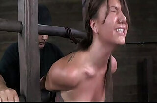 Bondage device makes her immobilized