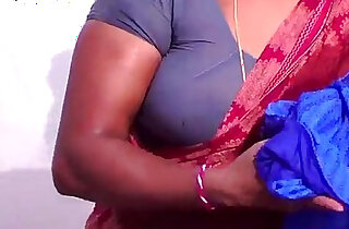 Tamil wife Boobs Pakkathu veetu Aunty
